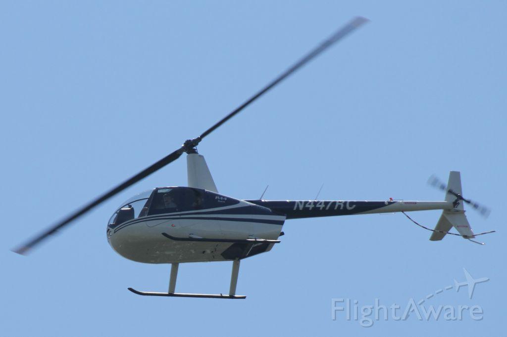 Robinson R-22 (N447RC) - Over Mercer Island, WA