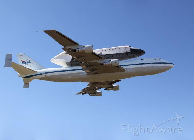 "Boeing Shuttle Carrier (N911NA) - Boeing 747-100SR SCA - N911NA ""NASA 911"" over EFD with Rockwell International Space Shuttle Endeavour OV-105 piggybacked"