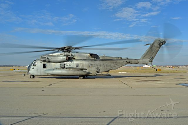 — — - A Marine Corps CH-53 Super Stallion from McGuire AFB at Niagara Falls International Airport