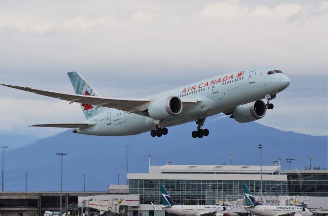 Boeing 787-8 (C-GHPX)