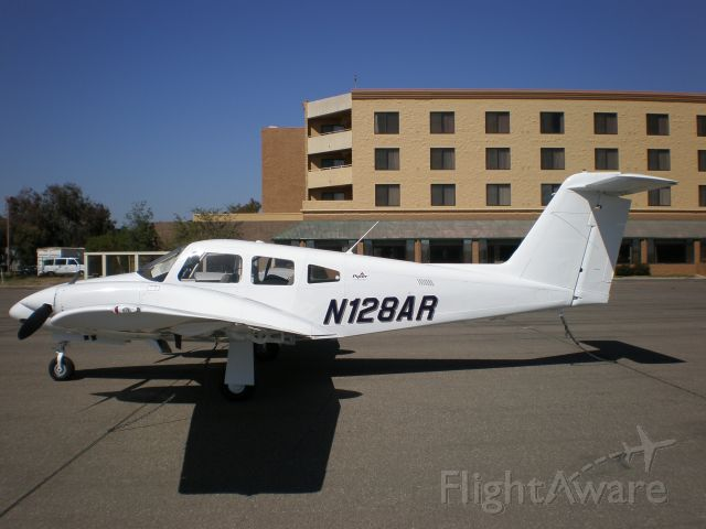 Piper PA-44 Seminole (N128AR)