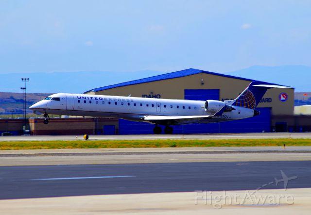 Canadair Regional Jet CRJ-700 (N157GJ)