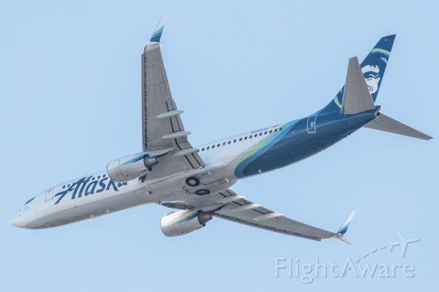 Boeing 737-800 (N558AS)