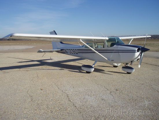 Cessna Skyhawk (N7326Q)