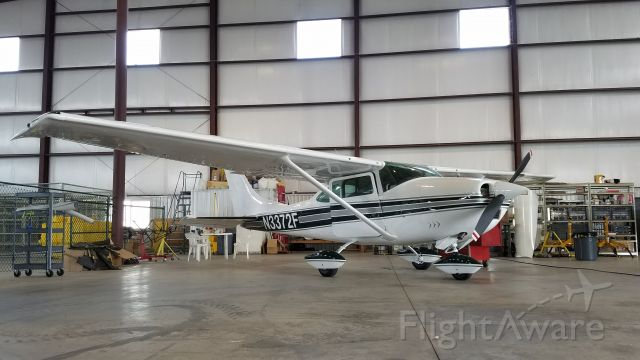 Cessna Skylane (N3372F)
