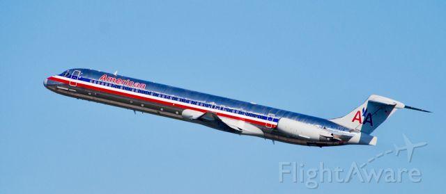 McDonnell Douglas MD-83 (N7547A)