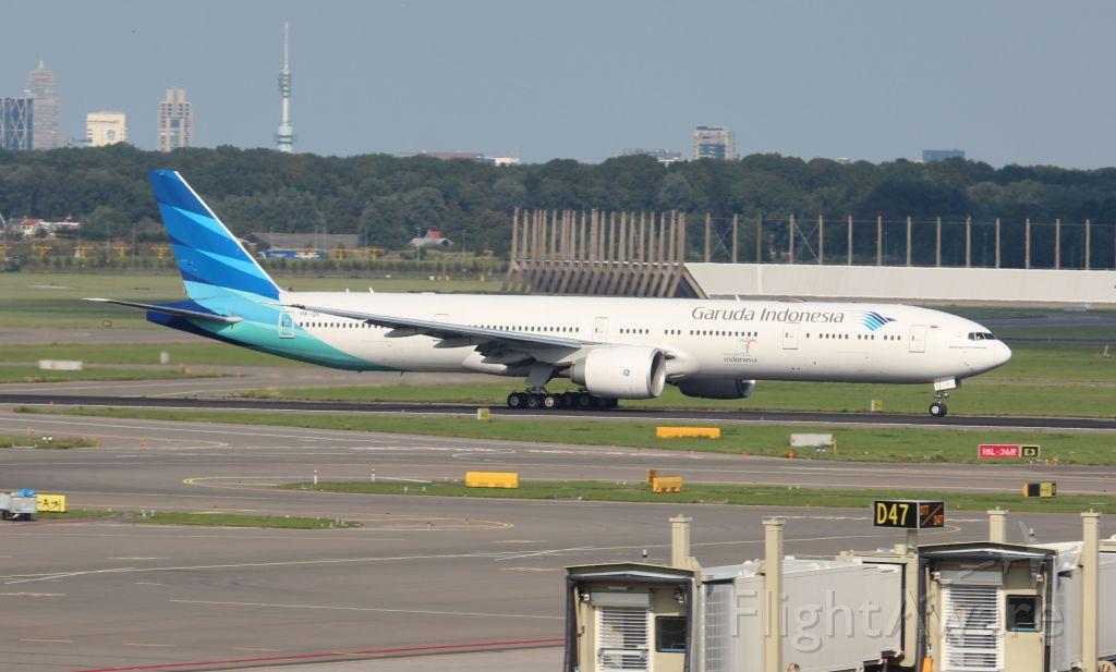 BOEING 777-300ER (PK-GIF)