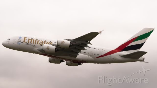 Airbus A380-800 (A6-EEV)