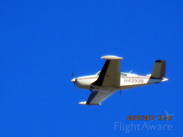 Beechcraft Bonanza (36) (N4292B)
