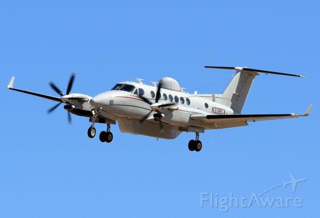 """Beechcraft Super King Air 350 (N339CA) - """"Commuter Air Technology""""."""