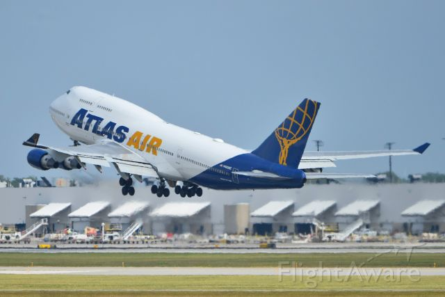 Boeing 747-400 (N480MC) - Departing 5-R on 09-11-20 bound for FRA.