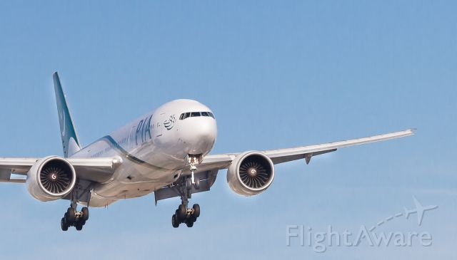 """BOEING 777-300 (AP-BGY) - For correct resolution, please select """"FULL"""" under the picture"""