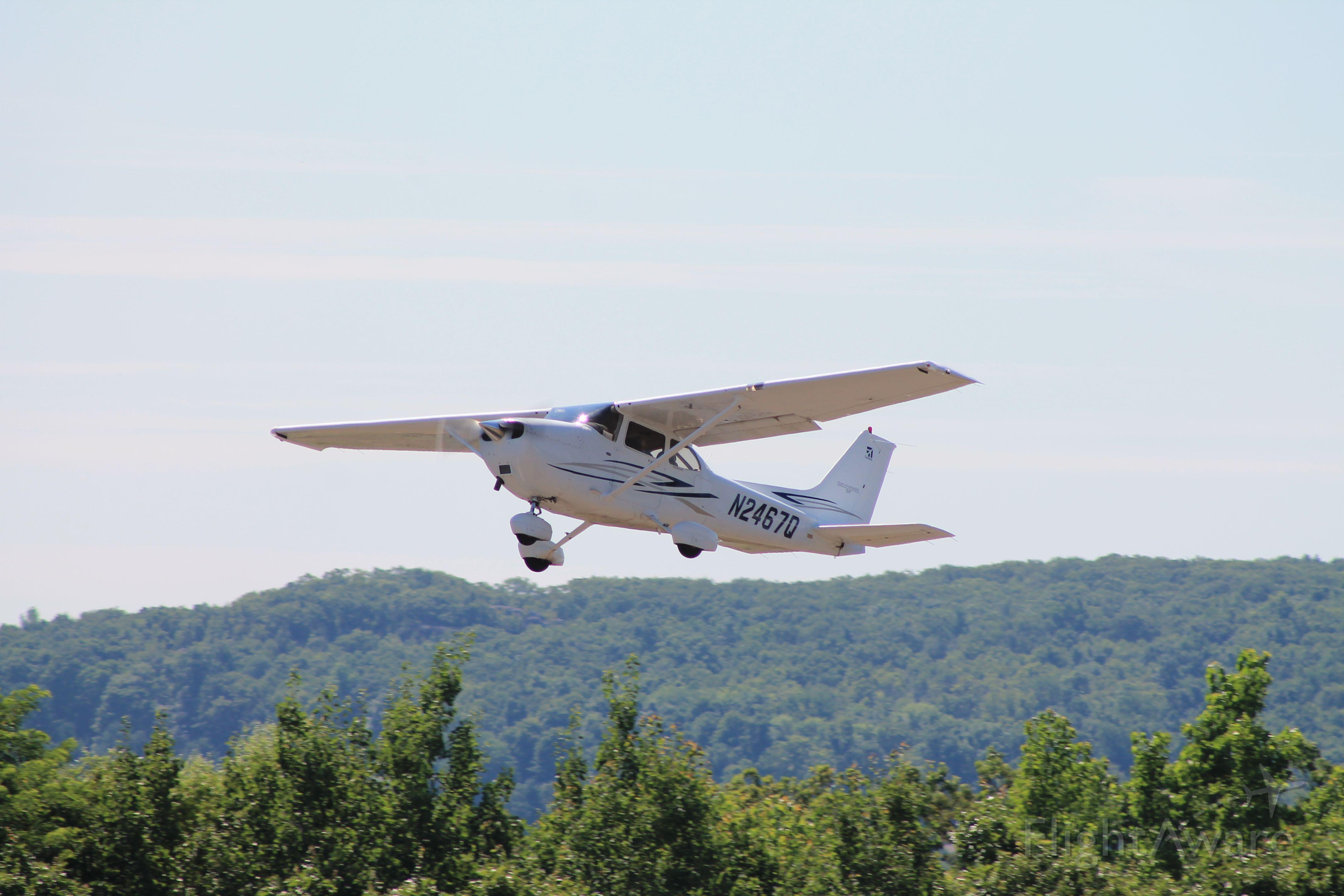 Cessna Skyhawk (N2467Q)