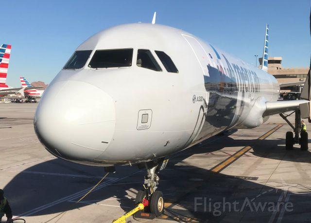 Airbus A321 (N568UW) - Airbus 321 American Airlines Alpha 21 pre departure.