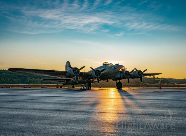 Boeing B-17 Flying Fortress (N231909) - Collings Foundation B-17G Nine-O-Nine at the Auburn-Lewiston Airport (KLEW) September 27, 2019.