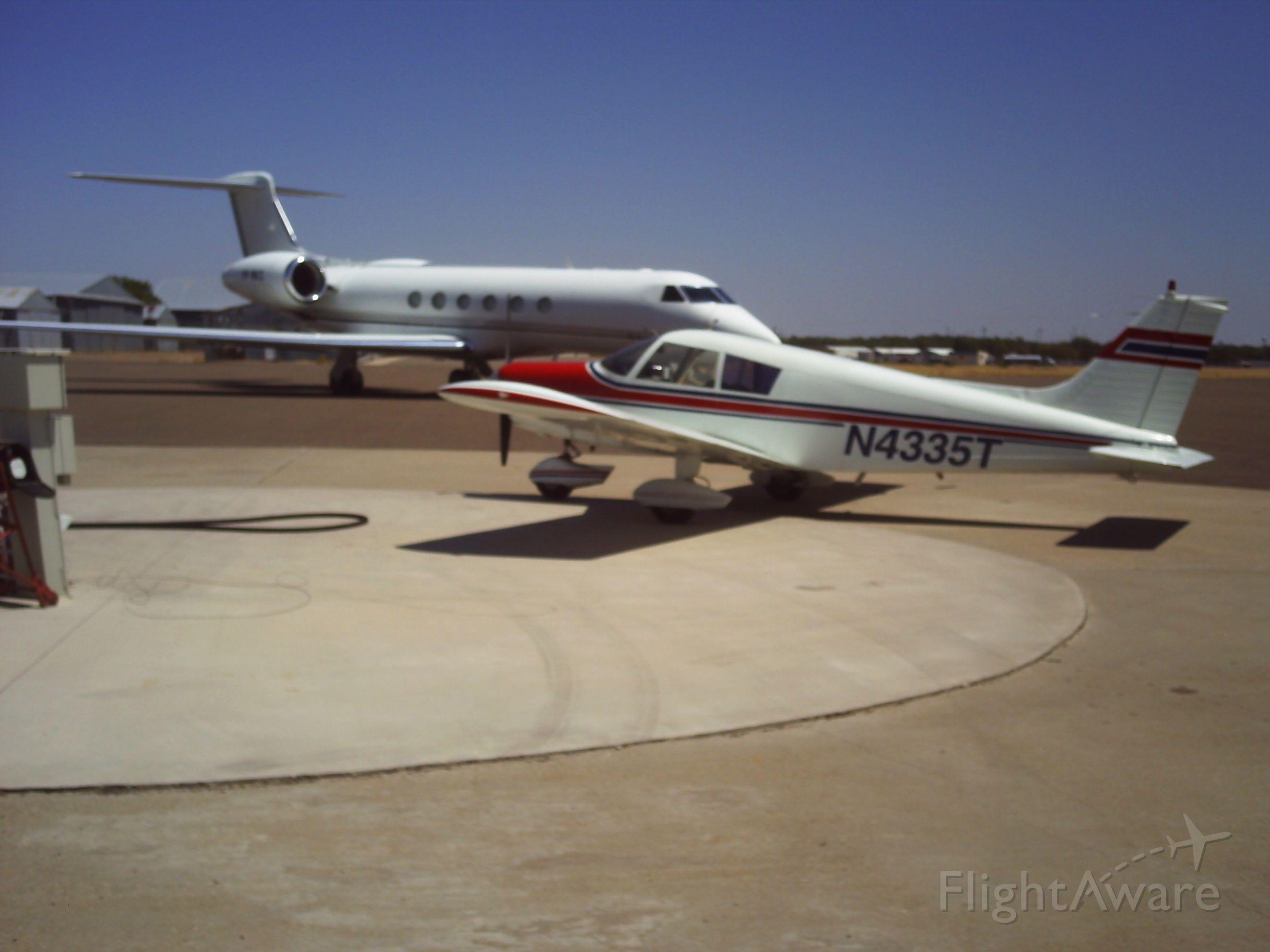 Piper Cherokee (N4335T)