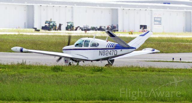 Beechcraft 35 Bonanza (N8247D)