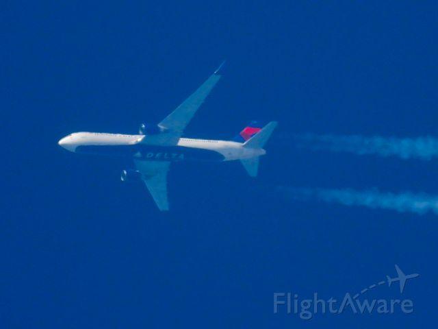 BOEING 767-300 (N1605) - DAL916br /06/04/21
