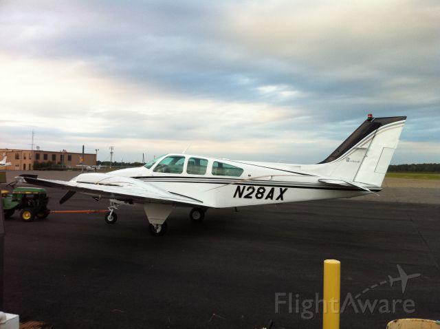 Beechcraft 55 Baron (N28AX)