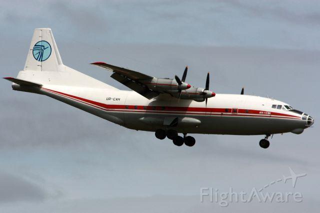 Antonov An-12 (UR-CAH) - Antonov 12BK