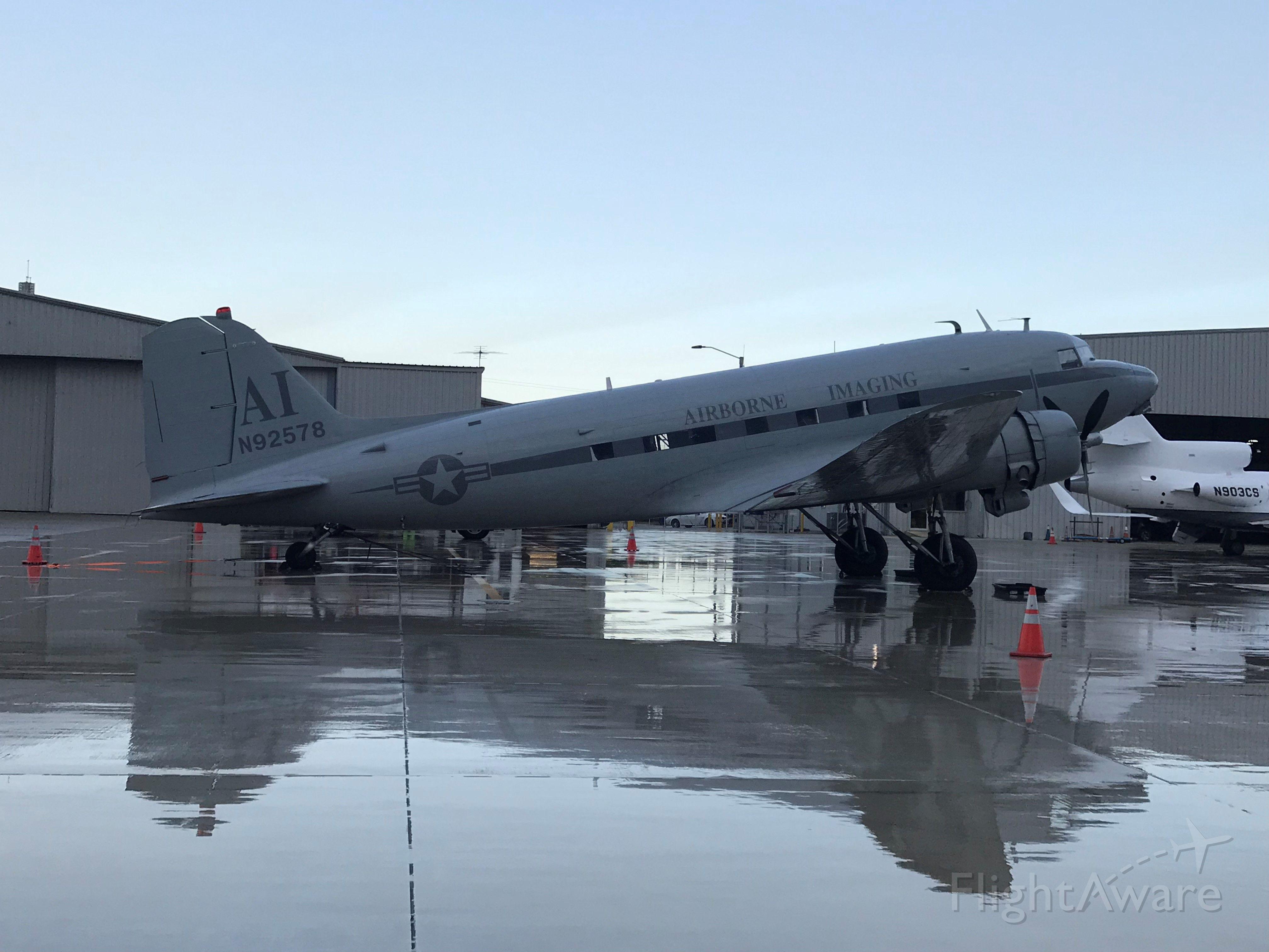 Douglas DC-3 (N92578)
