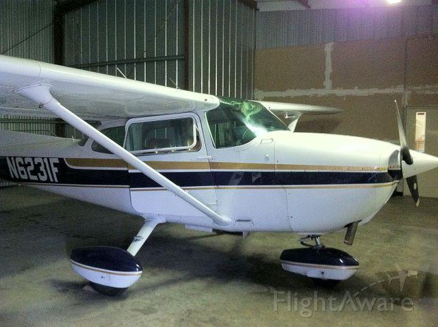 Cessna Skyhawk (N6231F)