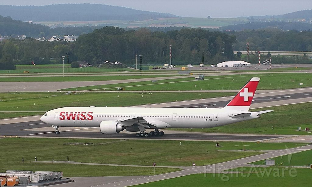 BOEING 777-300ER (HB-JNJ)