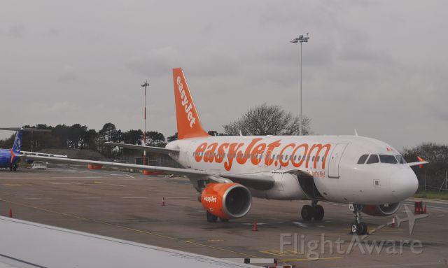 Airbus A319 (G-EZAA) - Easyjet Airbus A319-111 G-EZAA in Bristol