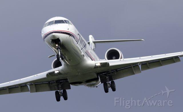 Canadair Regional Jet CRJ-200 (N618QX) - Landing 28L Portland Oregon. 4-25-09