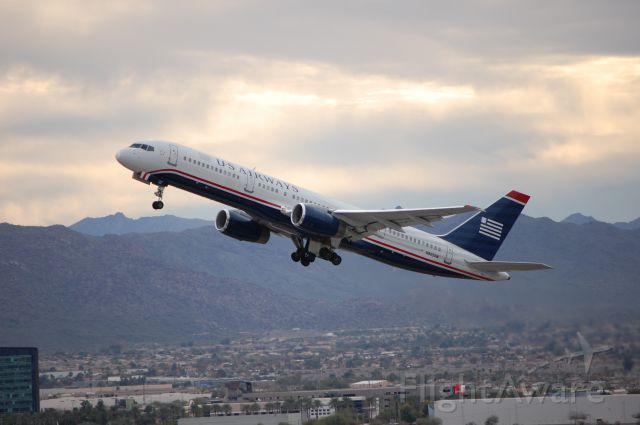 Boeing 757-200 (N905AW) - US Airways 757-200 taking off from Phoenix to Cancun