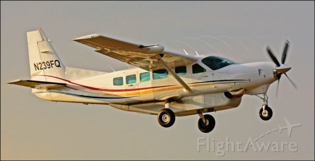 Cessna Caravan (N239FQ) - Look close to see the propeller vortices