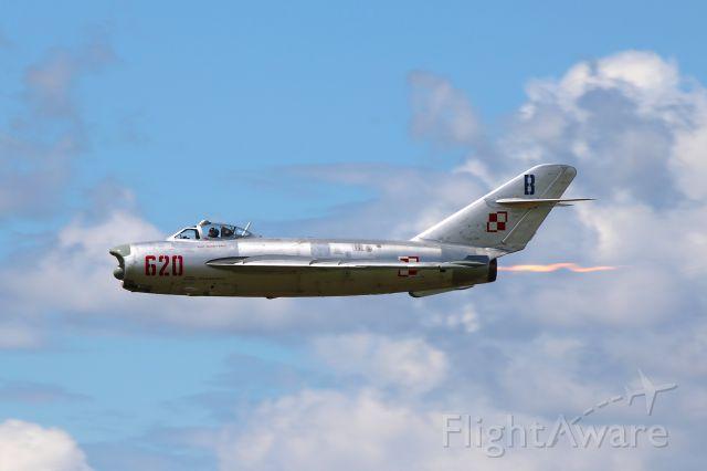 MIKOYAN MiG-17 (N620PF) - Randy Ball in his MIG-17 at Thunder over Michigan 21 Aug 2016.