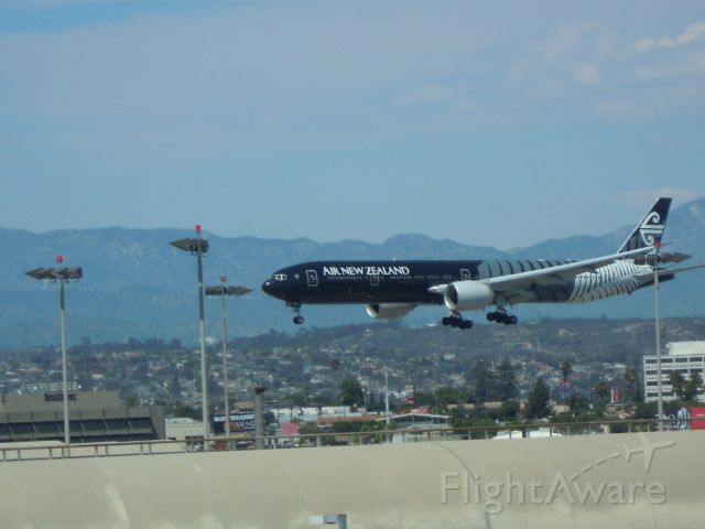 BOEING 777-300 — - AIR NEW ZZEALAND 777-300 IN BLACK COLOURS LAX