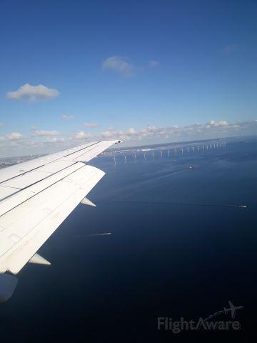 Boeing 737-500 (YR-AMB) - Landing at Copenhagen