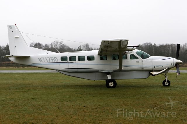 Cessna Caravan (N717RD) - SAME AIRCRAFT AS MY VERY FIRST PICTURE.