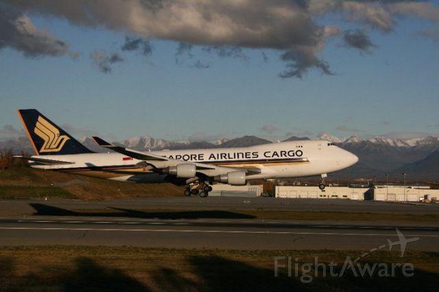9V-SFL — - Singapore Cargo 747-412F Heavy, arriving Rwy 14/PANC in fading light