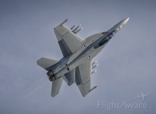 McDonnell Douglas FA-18 Hornet (16-8930) - Boeings corporate F/A-18E Super Hornet demos first appearance in Canada for the Abbotsford Airshow.