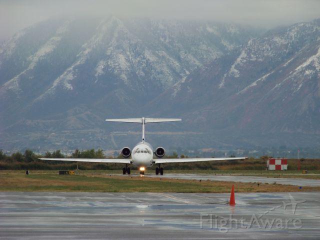 McDonnell Douglas MD-83 (N415NV)