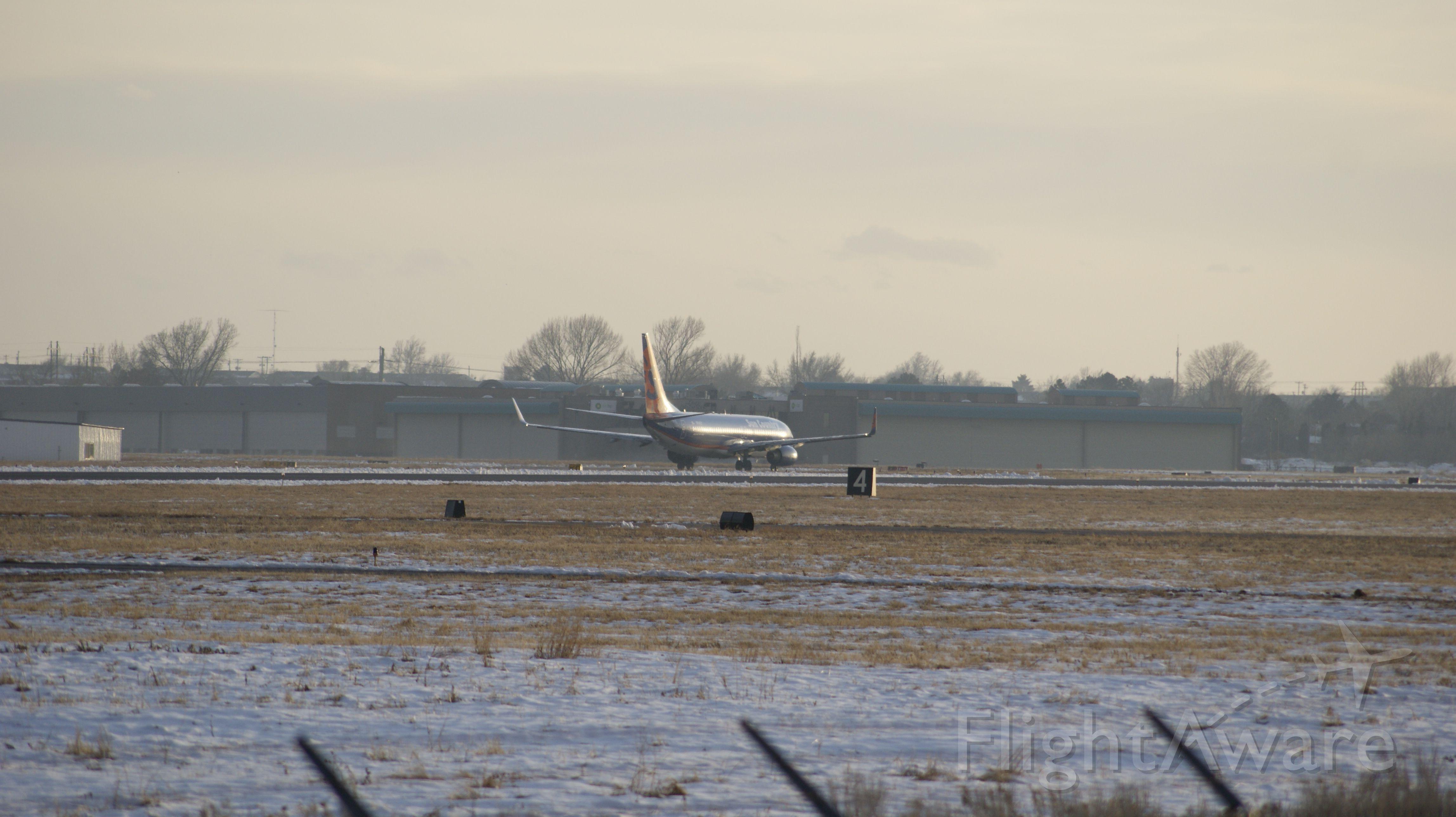 Boeing 737-800 (N814SY) - KOGD
