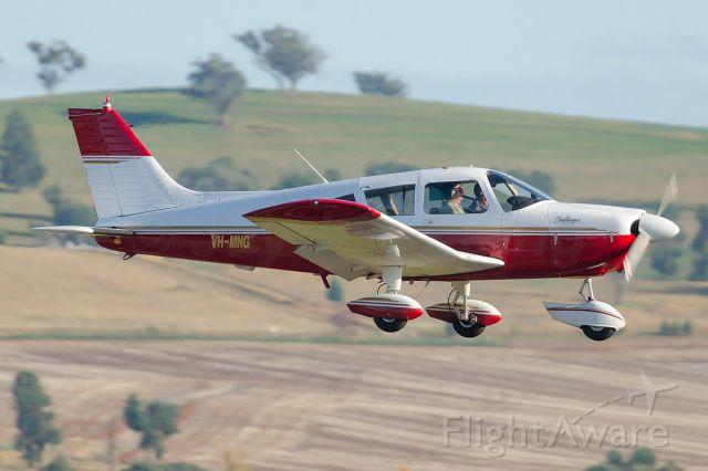 Piper Cherokee (VH-MNG)