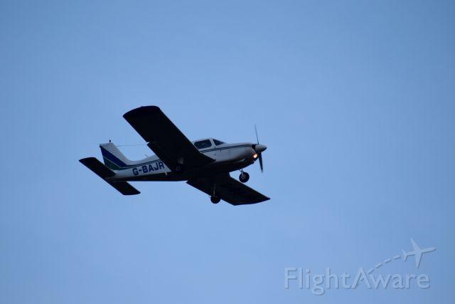 Piper Cherokee (G-BAJR) - On approach runway 25 Belfast International - 12 March 2016