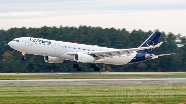 Airbus A330-300 (D-AIKD)
