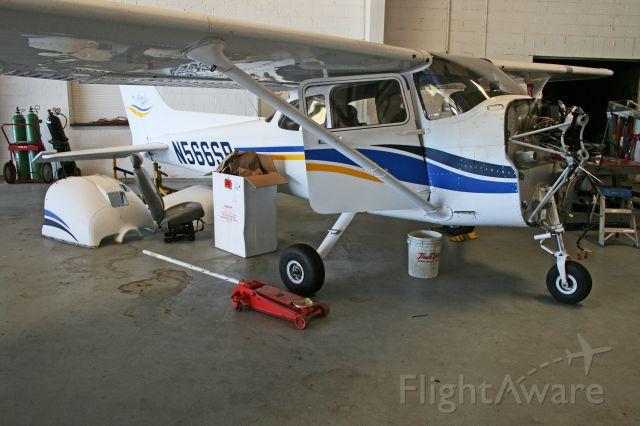 Cessna Skyhawk (N566SP)