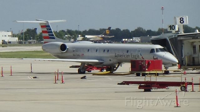 Embraer ERJ-145 (N673AE) - Here's an American Eagle ERJ-145 that me and my grampa flew with on July 12, 2014 from TUL to ORD! Date - Aug 28, 2021