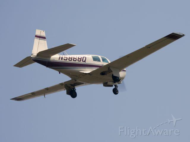 Mooney M-20 (N5868Q) - Take off runway 22.