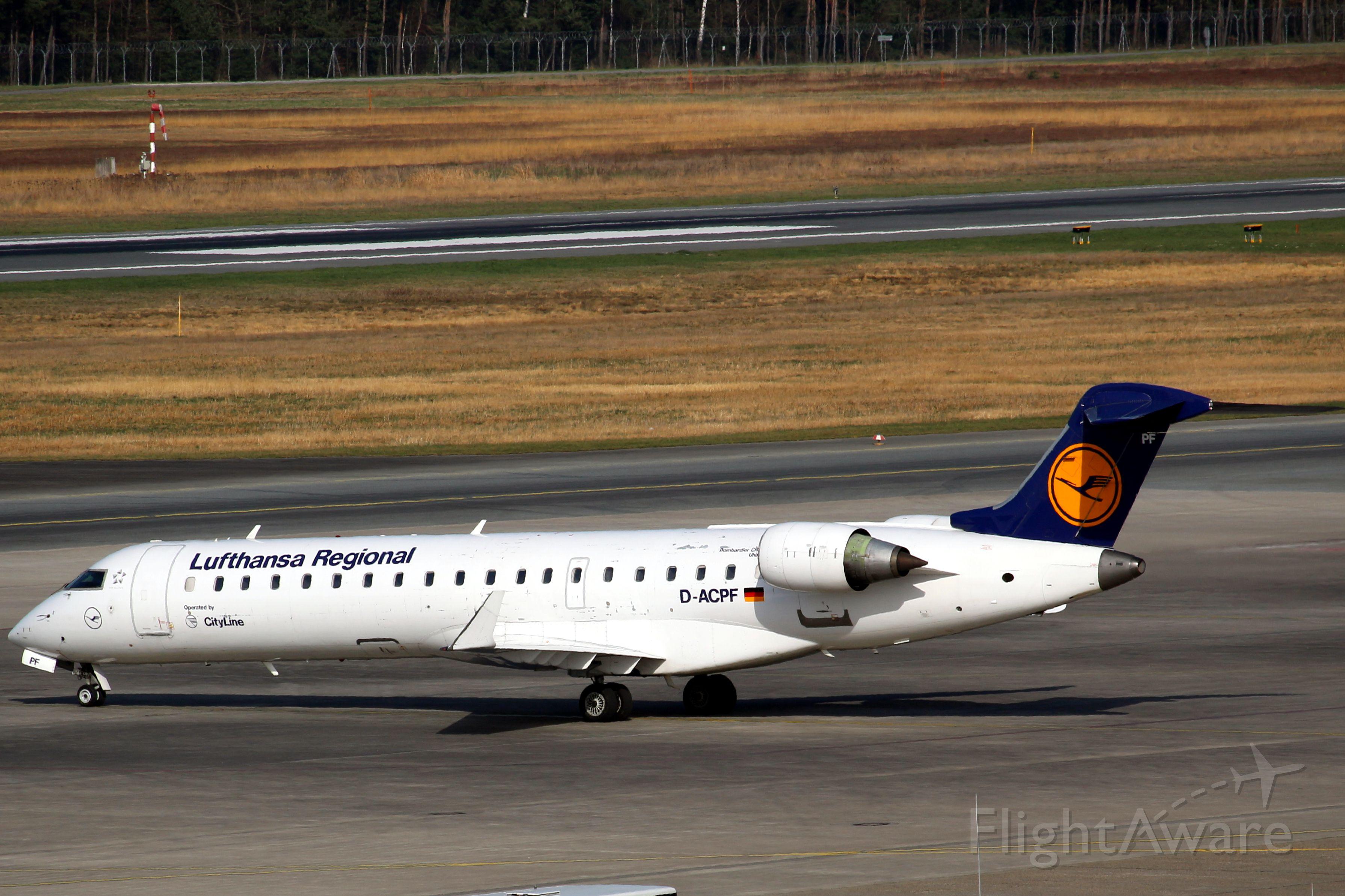 Canadair Regional Jet CRJ-700 (D-ACPF)