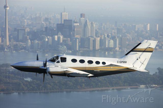 Cessna 421 (C-GPMM)
