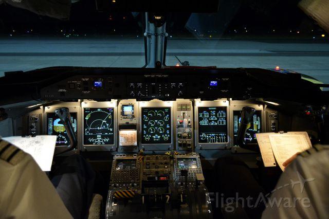 de Havilland Dash 8-400 (OE-LGK)