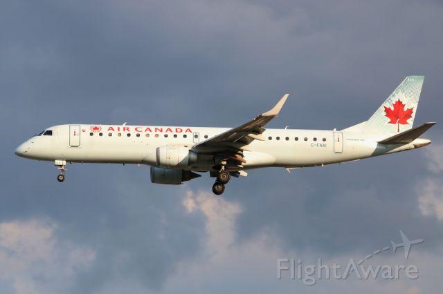 Embraer ERJ-190 (C-FNAI) - 2018