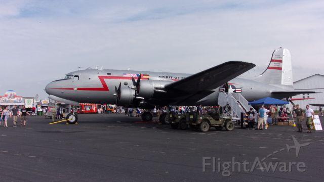 Douglas C-54 Skymaster (N500EJ)